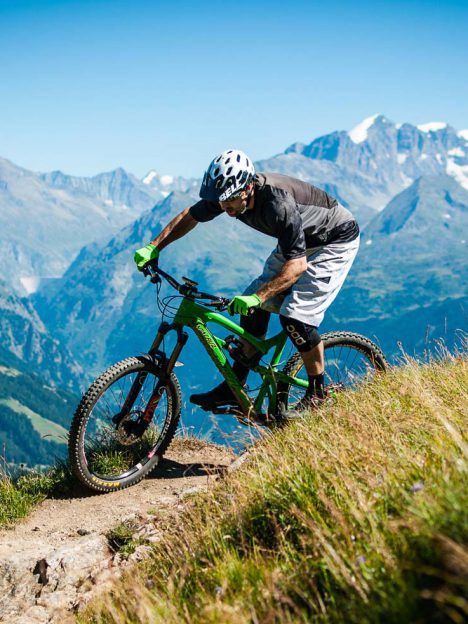 Bhutan Mountain biking tour